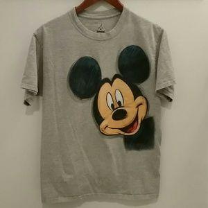 Disneyland Mickey Mouse T-shirt Size Medium